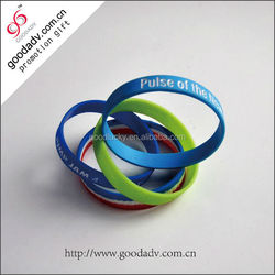 Wholesale fashion jewelry colorful football silicone bracelet