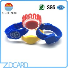 2016 new design hot sell uhf rfid silicone wristbands