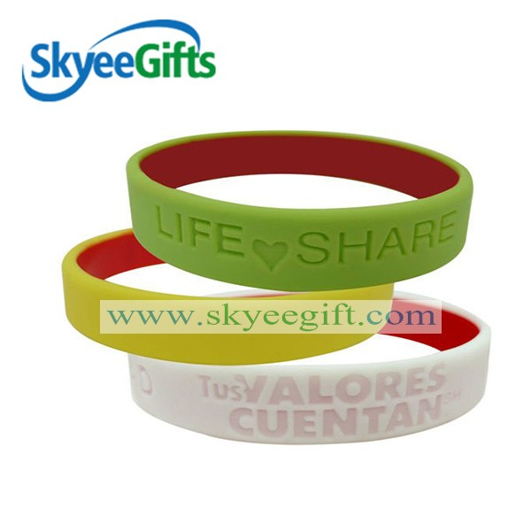 China cheap wholesale silicone bracelets with sayings