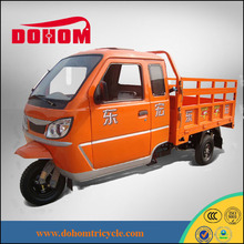 three wheel moto cargo tricycle with cabin closed