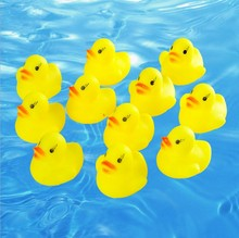 Manufacturers wholesale baby toys will sound can float rubber yellow duck