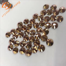 New coming factory price Crystal Aurum color silver bottom rhinestone studs for clothing