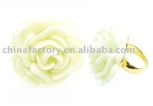 Factory produced red plastic ring cheapest rings white flower plastic ring