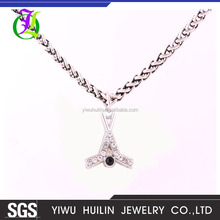 A500300 Yiwu Huilin Jewelry black and white diamond hockey sticks & puck charm boy and girl couple necklace