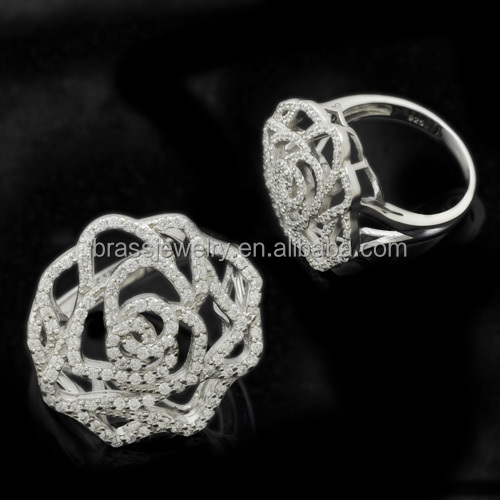 Hot Selling High Quality White Crystal Micro Zircon Pave Setting Fashion Flower Rings for Women
