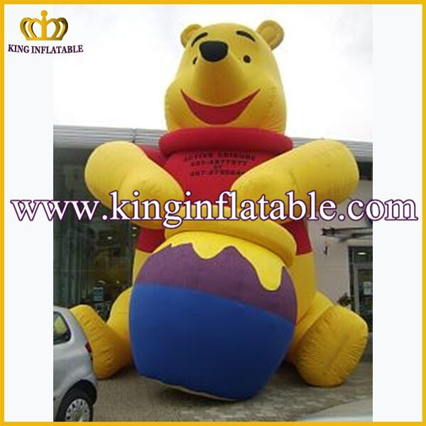 Giant Inflatable Winnie the Pooh Character, Customized Inflatable Bear Cartoon