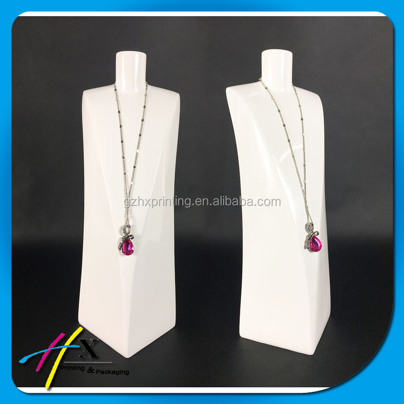 Glossy Resin Jewelry Display Jewellery Display Mannequins For Necklace
