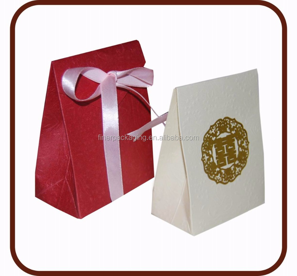 Square shape white and brown kraft paper candy box with silk ribbon