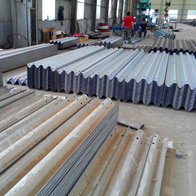 roadside guardrail for galvanized steel concrete crash barrier
