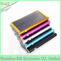 Hot selling 2600mah solar powered phone charger for hiking has fast charging speed