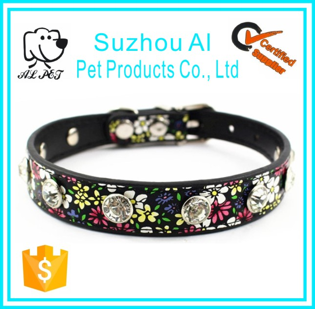 Wholesale Beautiful Flowers Adjustable Dog Collars Diamond Pet Collar
