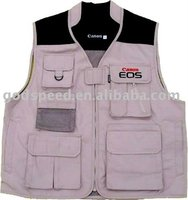 Fashion finishing vest with many pockets