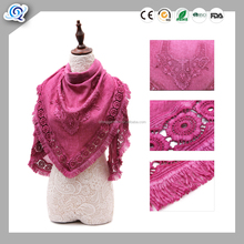 wholesale Competitive price women fashionable triangle scarf with lace trimming