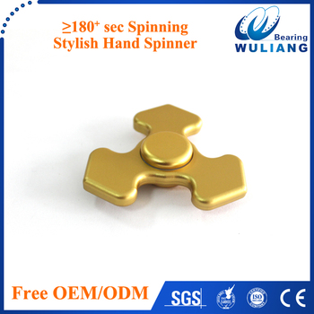 2017 hot selling space triangle hand spinner