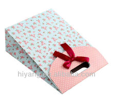2013 fashional paper packaging gift bag with ribbon/bow tie closure