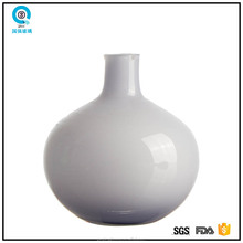 Elegant handmade light purple flower glass vase for home decoration