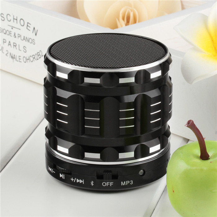2017 new arrival S28 Portable Mini Metal Bluetooth Speaker with FM Radio Hands Free Calls Support TF Card Black