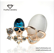 Personality Trendy KC Gold Plated Double Skulls Brooch Wholesale Big Opal with Rhinestone Brooch Lapel Pins