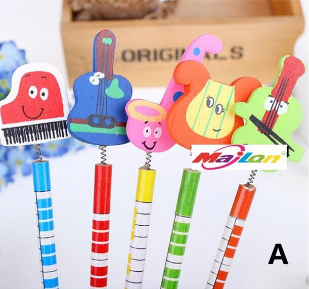 HB pencil cartoon flat wooden pencil The kindergarten gifts wholesale