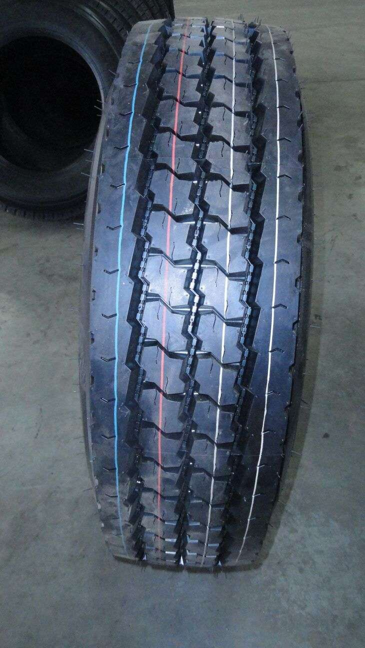 SPORTRAK 11r225 Truck Tires for sale