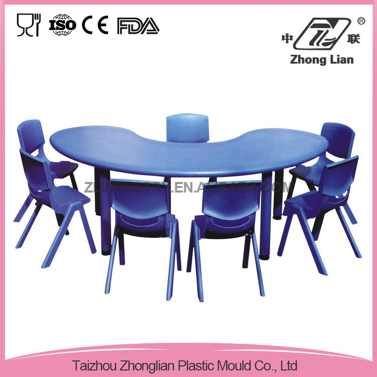 Factory price durable removeable plastic table sets