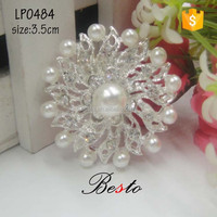 Classical fine workmanship pearl rhinestone brooch pin for the suits