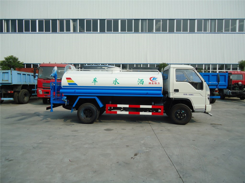 4x2 5000 liters stainless steel water tank truck