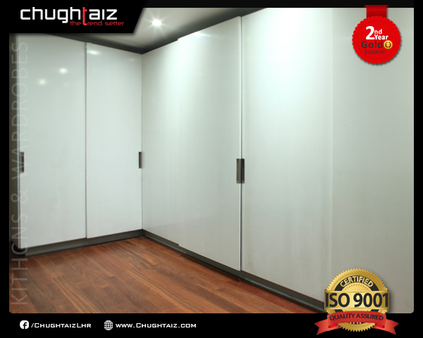 White high gloss MDF three door sliding wardrobe