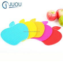Apple shape glass cup pad promotion silicone kitchen heat resistant mat
