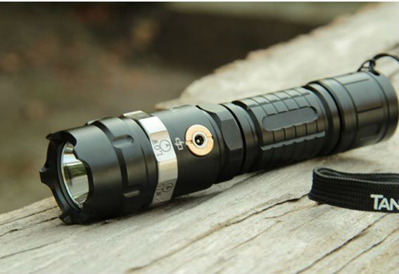 Tactical rechargeable <strong>led</strong> flashlight 3000 lumens