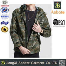 Urban Fashion OEM Man Camo Softshell Jacket