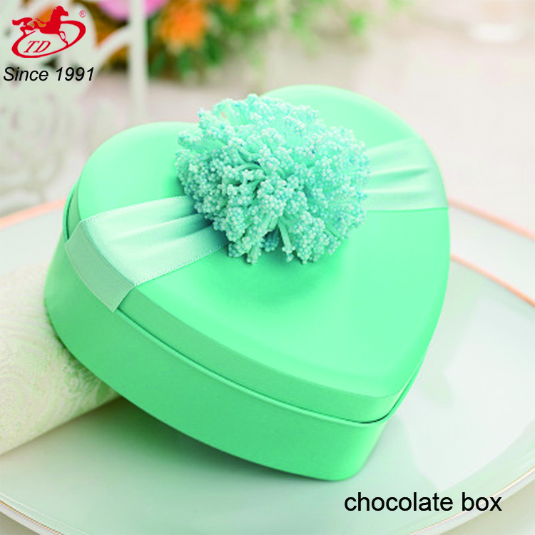 Sweet heart shape candy/chocolate wedding favors tin box