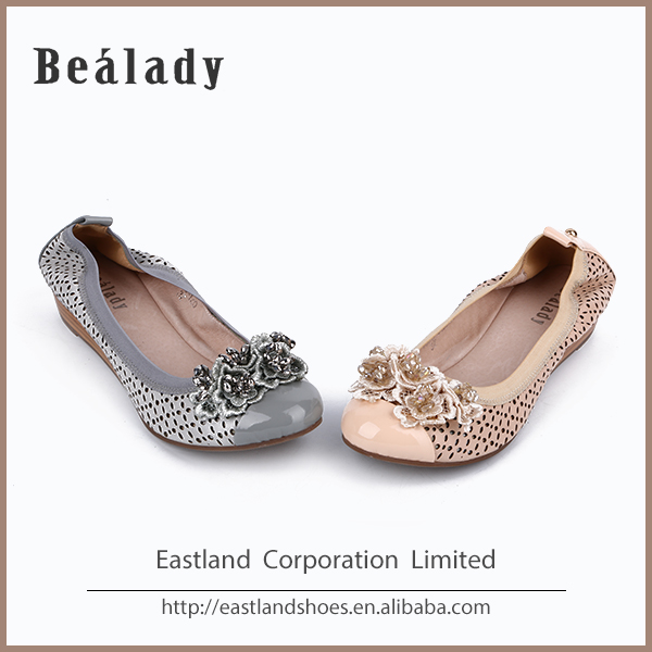 Italy Ladies Shoes Wholesale Women Loafers New Girl leather Embroidery Loafer Shoes