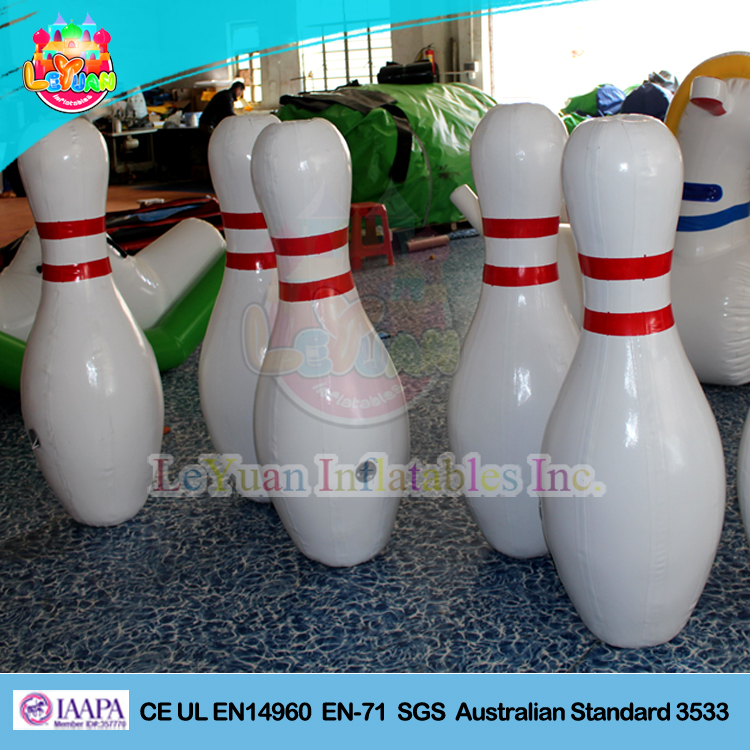 Factory direct sale giant inflatable bowling pins/ inflatable bowling game
