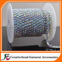 Wholesale rhinestone cup chain strass roll sew on rhinestone close cup chain