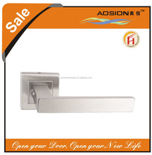 Modern design hot sale industrial door lever handle on square rose