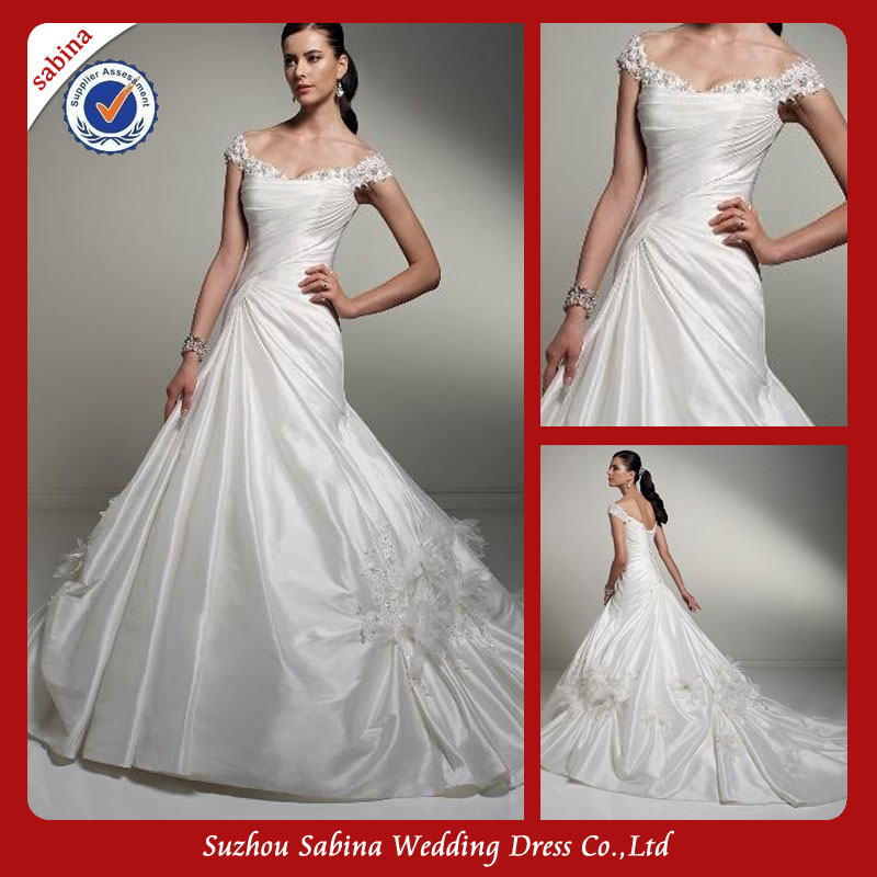 Sh0369 Cheap Ivory Satin Wedding Dresses Peacock Feather Wedding Dresses In Dubai