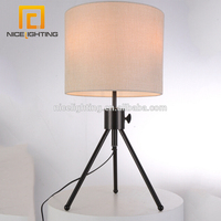 NICE lighting bedroom decorate E27 Fabric shade desk light metal tripod table lamp