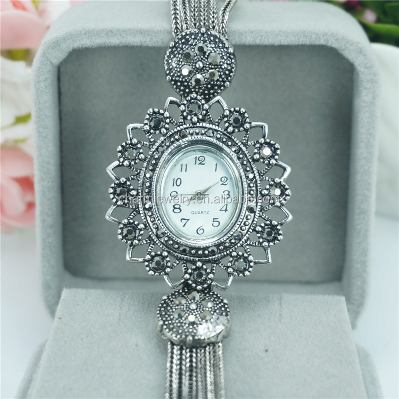 Latest Luxury Fashion Fancy Skeleton Alloy Wrist Watch For Women B024