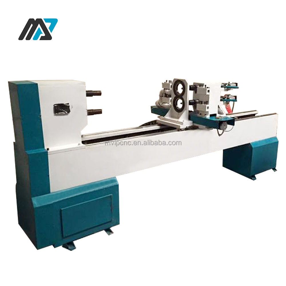 wood copying lathe for turning wood with automatic change tool
