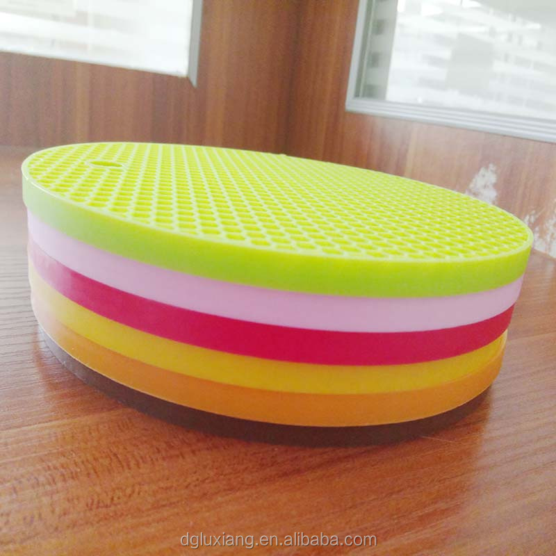 Hot heat-insulated Pad Coaster Mat Pad Cushion Drink Bowl food grade Silicone Trivets / Pot Holder/ Placemat