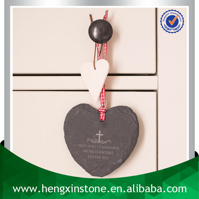 Factory Direct Price Handmade Personalised 10*9*0.5cm Heart Shape Natural Edge Hanging Black Slate Christmas Decoration
