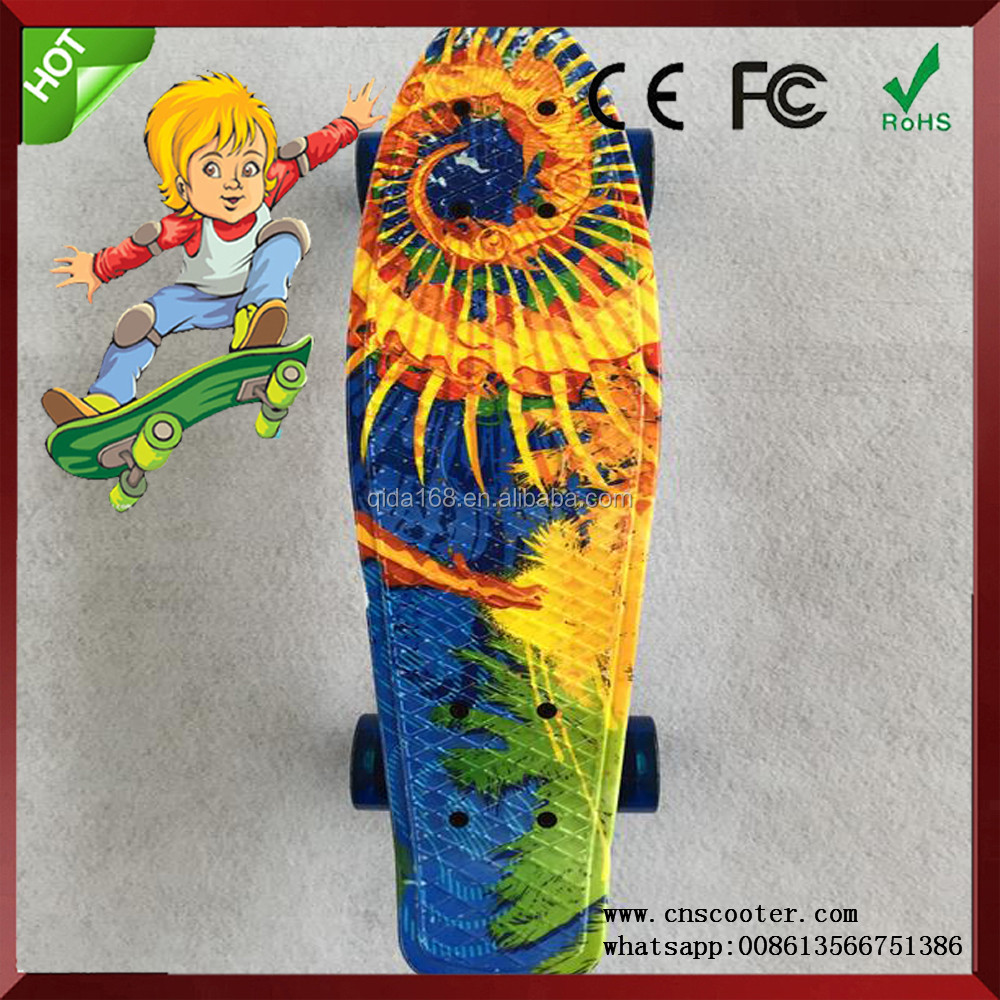 Factory direct sales can be customed best fish skateboard