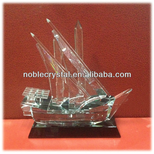 Noble Customized Made Islamic Ramadan Gift Crystal Arab Dhow on Black Crystal Base