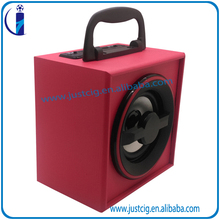 Shenzhen factory support U Disk outdoor speaker with wireless mic support mobile phone UK-53 portable speaker