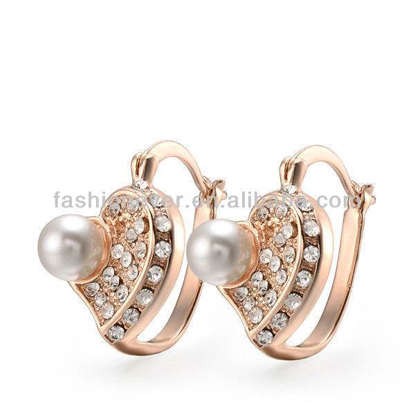 New statement pearl crystal ear studs,chunky stud earring