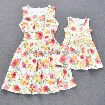 Summer designs colorful rose printing sleeveless short mother and daughter dresses