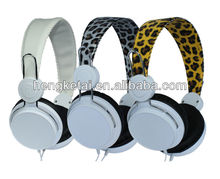 2014 the newest design Leopard print Headphone for mobile phones and computers