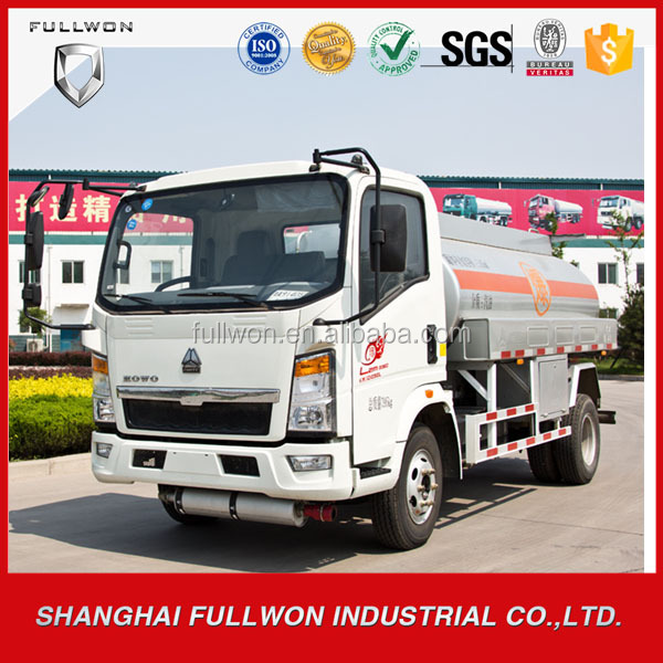 Sinotruck HOWO CIMC mini 5000 liters Capacity Fuel Tanker Truck For Sale