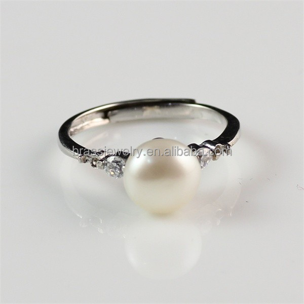 Yiwu Factory Direct Pirce of Brass Silver Plated New Design Adjustable Pearl Finger Ring